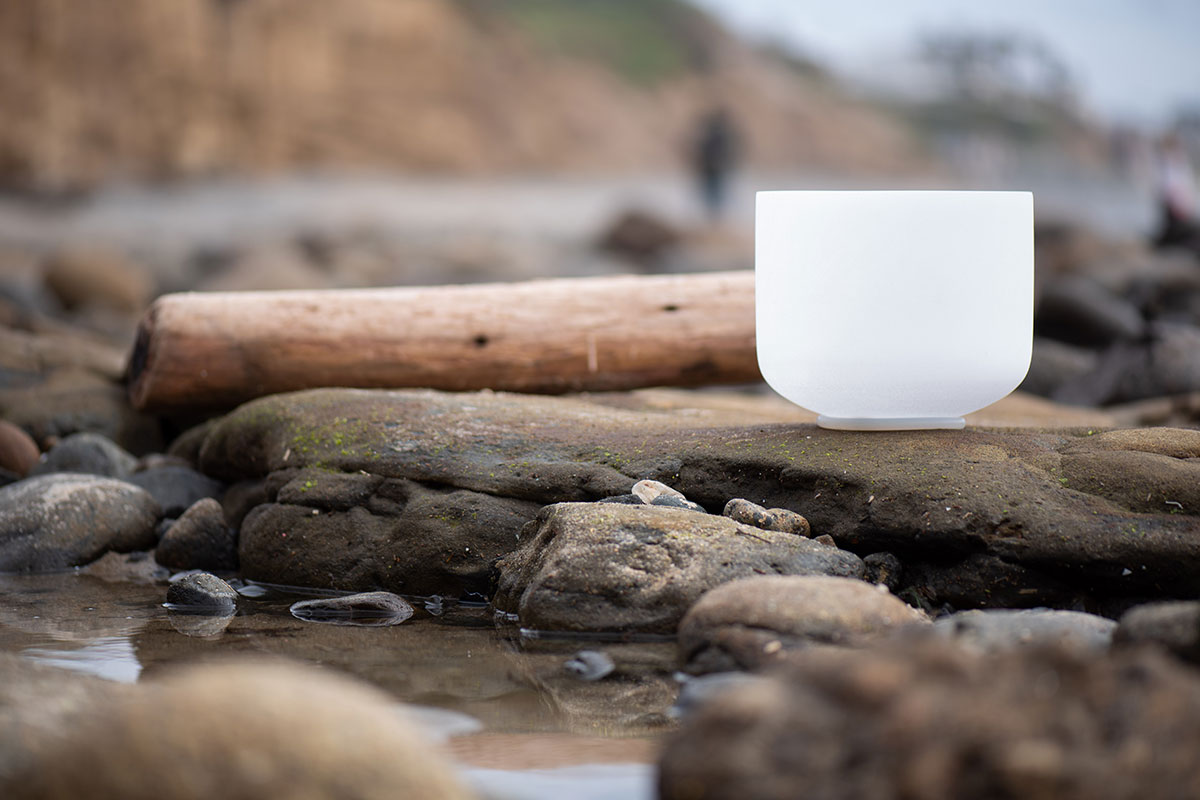 Singing bowl at the beach